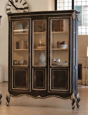 GR-1255 French China Cabinet