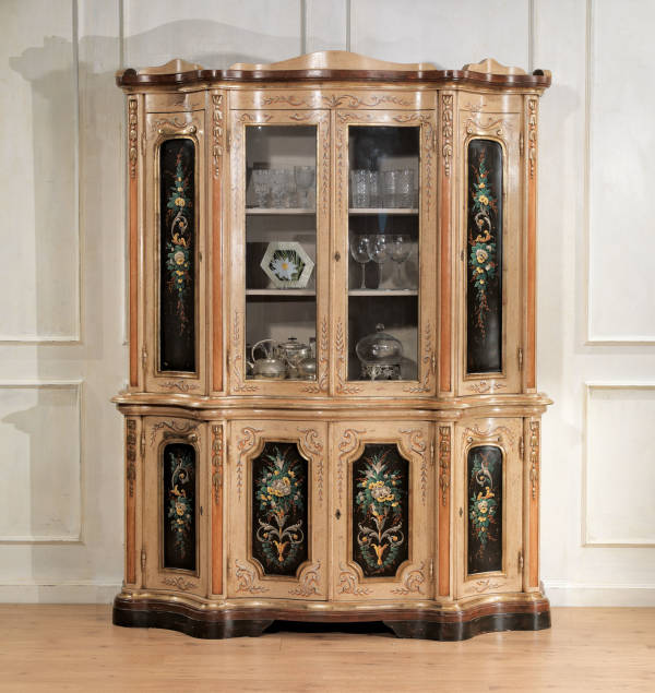 GR-1256 China Cabinet
