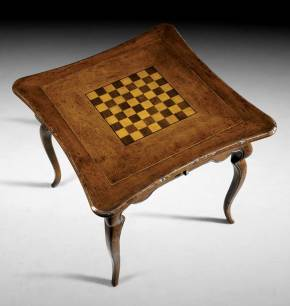B-33 Chess or Back Gammon Game Table