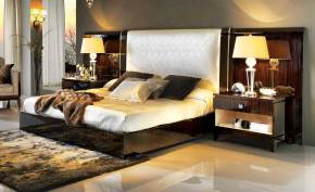 TM-5200-1 Makassar Ebony King Size Bed