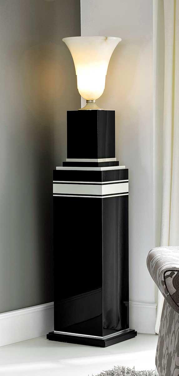 TM-1900 Pedestal