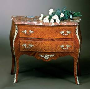 PL-39 Bombay Chest