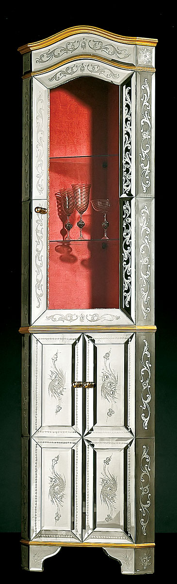 AV-2001 Venetian Display Case