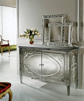 AV-AH1 Mirrored Sideboard