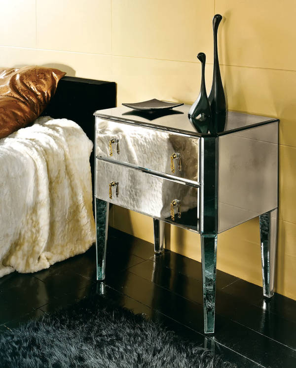 AV-E03 Mirrored Night Stand