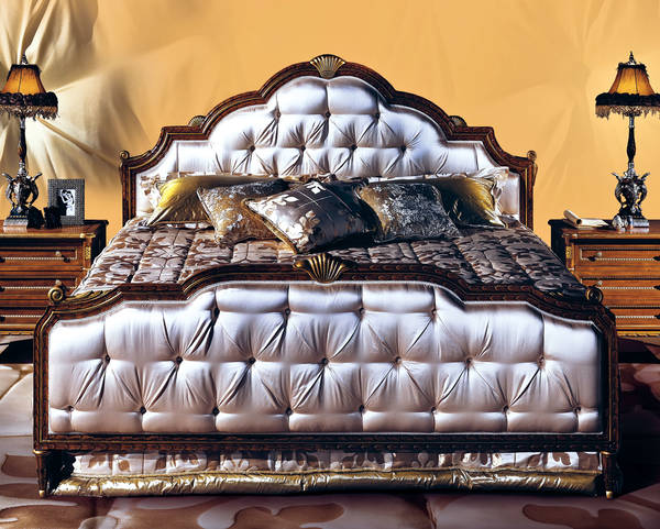 AC-12100-21 King Size Upholstered Bed