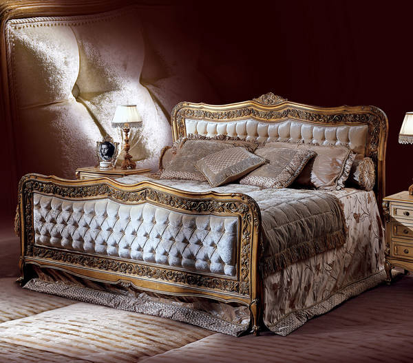 AC-21030-21 King Size Tufted Upholstered Bed