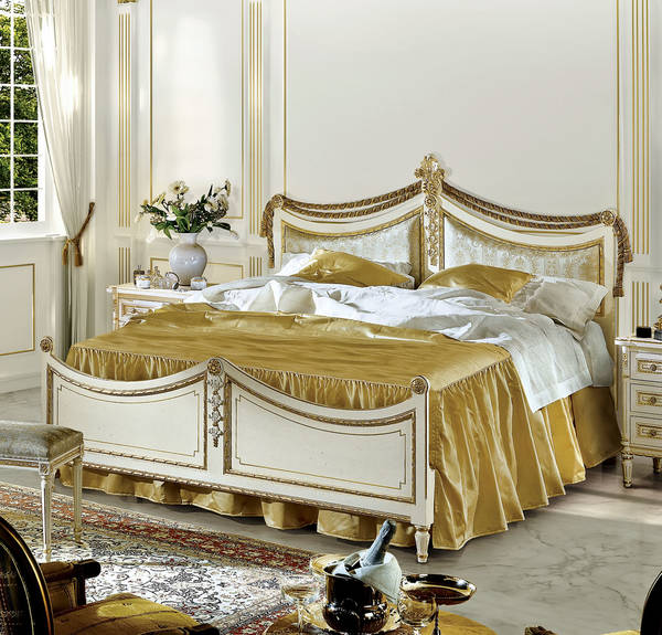 AC-7600-21 King Size Upholstered Bed