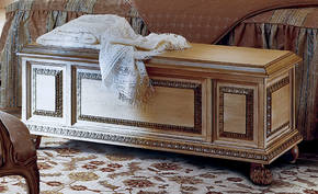 AC-9636 Blanket Chest