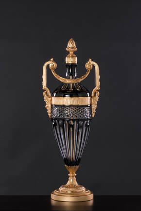 M-A139-1 Black Crystal Urn