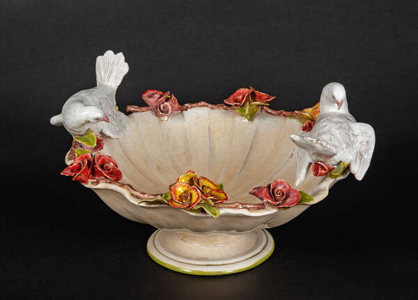 CEC-660-R Terracotta Bowl with Doves and Roses