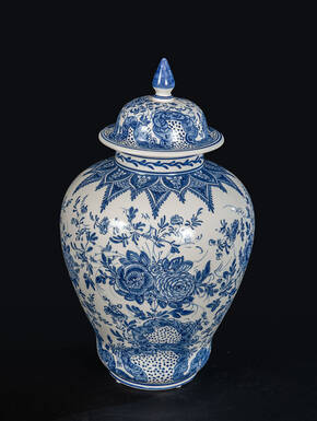 DB-729375 Blue Delft Jar