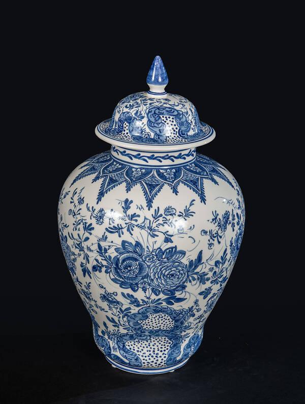 DB-729375 Blue Delft Jar