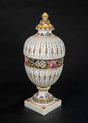 DPR-1532 Painted Ceramic Urn