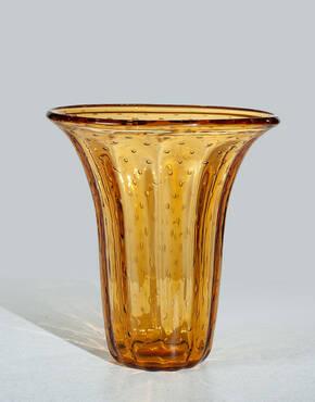 VE-1180 Queen Vase