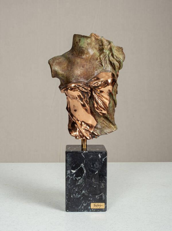 IA-22512-FB Contemporary Sculpture